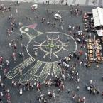 Оберег Мира из Цветов на Стромынсской площади в Праге.