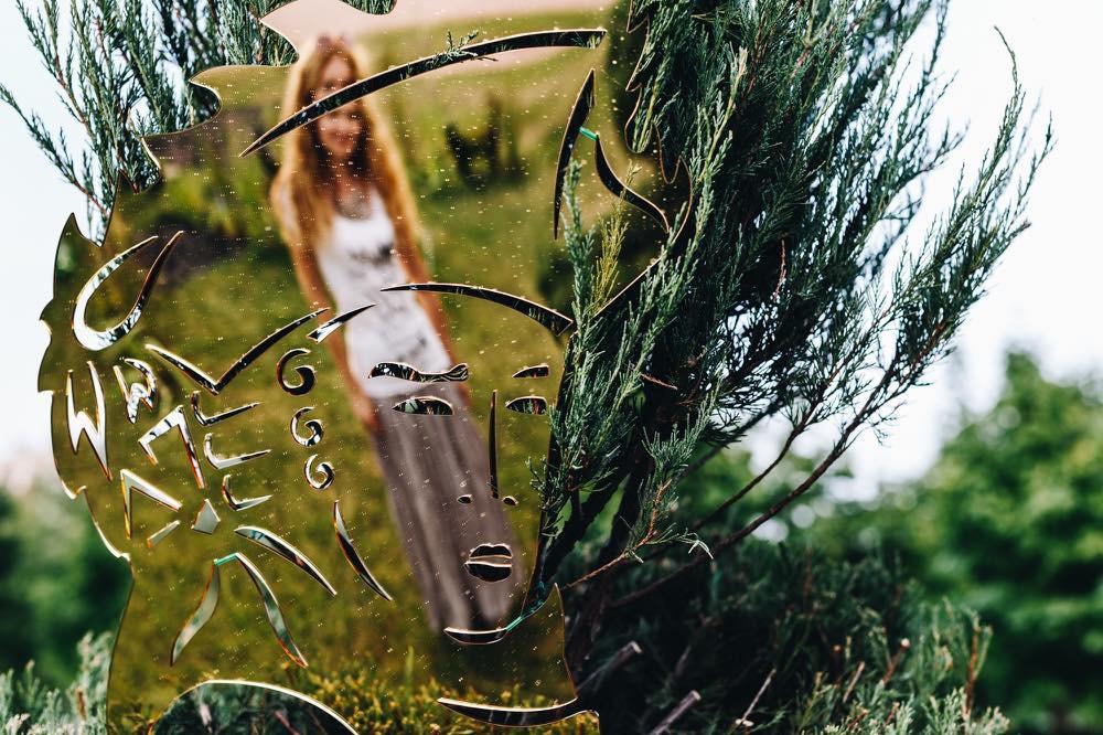Маски в стиле рококо. Материал - зеркальный акрил.